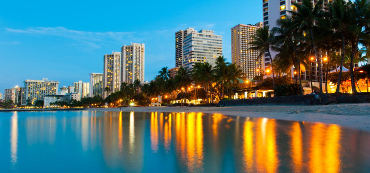 Waikiki_Beach_Honolulu_Hawaii_2